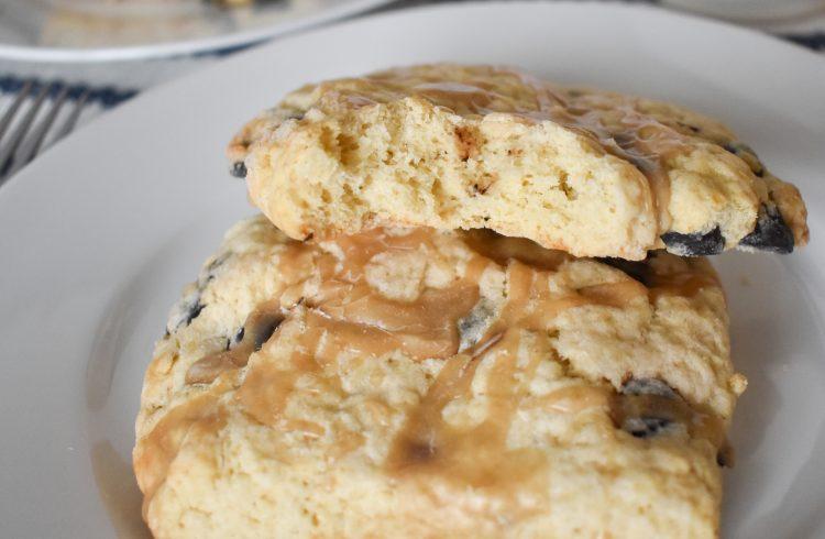 vanilla latte scones with espresso chips